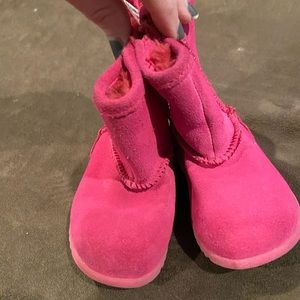 Toddler girl's pink ugg style boots